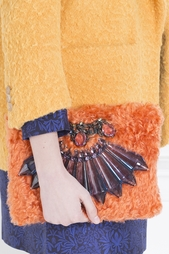 Клатч из шерсти и кристаллов Mawi