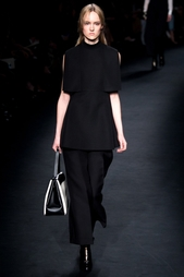 Шерстяная блузка Valentino