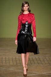 Платье из искусственной кожи Jonathan Saunders