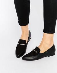 Туфли на плоской подошве с острым носком London Rebel