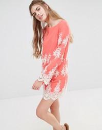 Кружевное платье мини с длинными рукавами Endless Rose