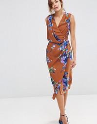 Коричневое платье миди с цветочным принтом и драпировкой спереди ASOS