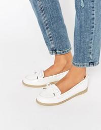 Туфли на плоской подошве ASOS MONTHLY - Белый
