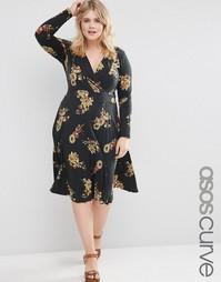 Креповое плиссированное платье миди с темным цветочным принтом ASOS CU