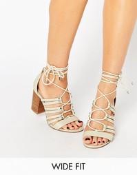 Босоножки на каблуке со шнуровкой для широкой стопы ASOS TIA - Бежевый