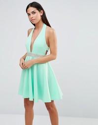 Платье для выпускного с лямкой через шею и отделкой стразами Club L
