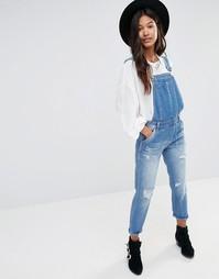 Фестивальный джинсовый комбинезон с потертостями Boohoo - Синий