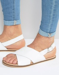 Белые кожаные сандалии с ремешками крест-накрест ASOS - Белый