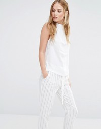 Рубашка без рукавов с высокой горловиной Y.A.S Freja - Белый