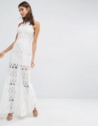 Платье макси из премиум‑кружева с высокой горловиной Missguided