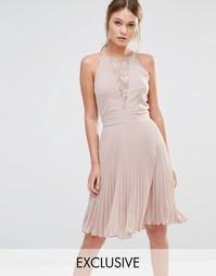 Плиссированное платье мини с кружевной вставкой Elise Ryan