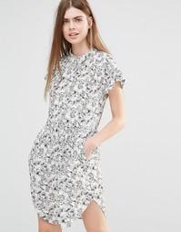 Платье с цветочным принтом Y.A.S Summery