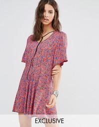 Чайное платье в цветочек с короткими рукавами и завязкой Milk It Vinta