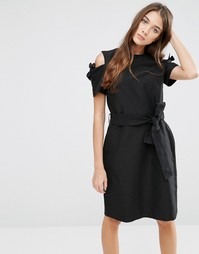 Платье с вырезами на плечах и завязкой на талии YMC - Черный