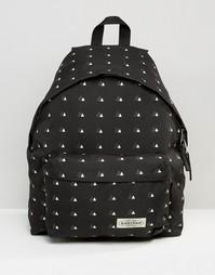Рюкзак с принтом треугольников и уплотнением Eastpak Pak'R - Черный