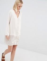 Цельнокройное платье с атласной вставкой Paisie - Телесный