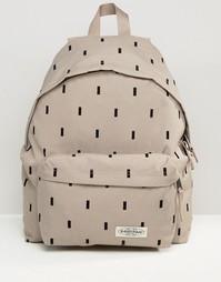 Рюкзак с принтом и уплотнением Eastpak Pak'R Modern - Бежевый