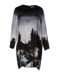 Короткое платье LEO