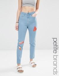 Джинсы в винтажном стиле для миниатюрных с нашивками Noisy May
