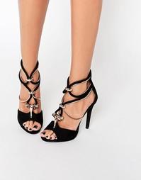 Сандалии на каблуке с ремешками и отделкой металлик Missguided