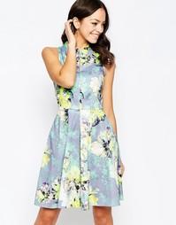 Приталенное платье со свободной юбкой и высокой горловиной Closet