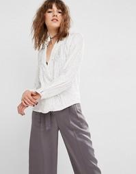 Блузка в пижамном стиле с отделкой пайетками ASOS - Кремовый