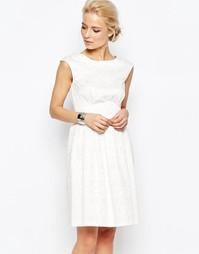 Жаккардовое платье миди с узором в ромбик Closet - Слоновая кость
