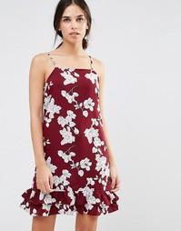 Платье с удлиненной спинкой и цветочным принтом Daisy Street - Maroon