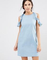 Джинсовое платье с открытыми плечами и оборками Daisy Street