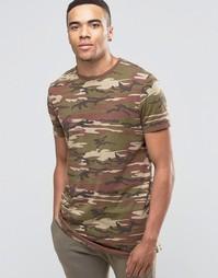 Удлиненная футболка камуфляжной расцветки ASOS - Хаки