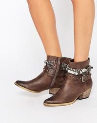 Ботильоны на каблуке с заклепками и цепочками Glamorous
