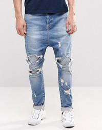 Синие джинсы с заниженным шаговым швом и прорехами ASOS