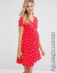 Приталенное платье для беременных в горошек с запахом ASOS Maternity