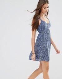 Платье молодежного стиля с принтом Hollister