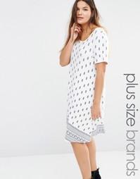 Свободное платье с принтом пейсли Boohoo Plus - Мульти