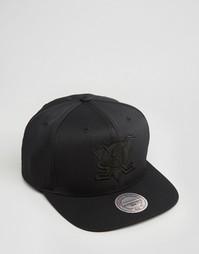 Бейсболка Mitchell & Ness - Черный