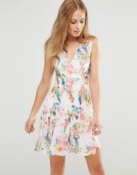 Платье с цветочным принтом Pussycat London - Белый