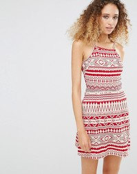Платье с фестивальным принтом Daisy Street - Красный