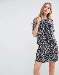 Двухслойное платье Y.A.S Petunia - Со сплошным принтом