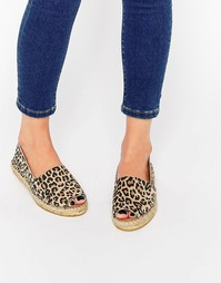 Эспадрильи на плоской подошве с открытым носком и леопардовым принтом Selected