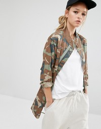 Куртка с камуфляжным принтом Daisy Street
