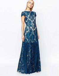 Кружевное платье макси с глубоким декольте Club L