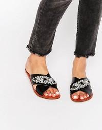 Кожаные сандалии с декоративной отделкой ASOS FEMI - Черная кожа