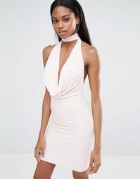 Облегающее платье‑халтер с глубоким вырезом спереди Missguided