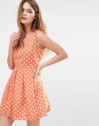 Короткое приталенное платье в горошек Iska - Розовый лосось