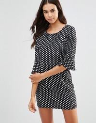 Цельнокройное платье в горошек с оборками на рукавах Unique 21