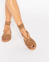Замшевые сандалии с завязками ASOS FRESHERS - Коричневая замша