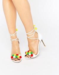 Сандалии на каблуке с отделкой помпонами Public Desire Salma