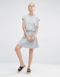 Трикотажная короткая расклешенная юбка Monki - Серый