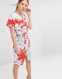 Платье миди с V-образным вырезом и цветочным принтом Closet - Розовый